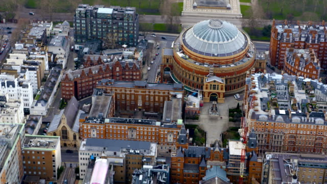 vídeos de stock, filmes e b-roll de london views from a helicopter - royal albert hall