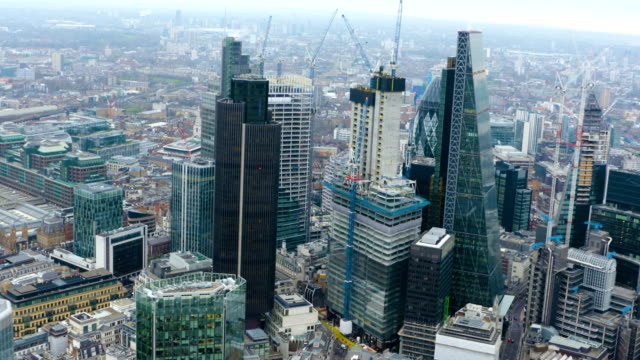 london views from a helicopter - city von london stock-videos und b-roll-filmmaterial
