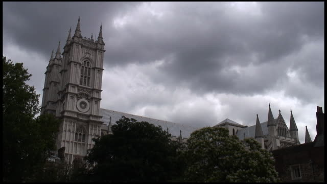 (HD1080i) London Westminster Abbey unter Wolken. Treibhauseffekt