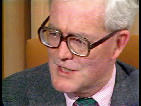 """london westminster cms douglas hurd mp intvw sof """"the nation does -- of greater openess"""" cms roy hattesley mp intvw sof """"in the past -- not the... - douglas hurd stock-videos und b-roll-filmmaterial"""