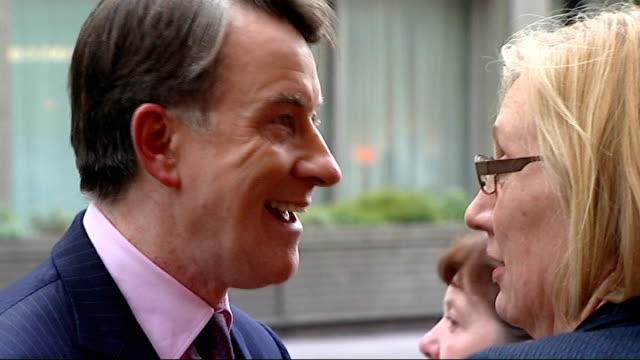 london westminster labour hq ext close shot alastair campbell outside labour hq looking down lord mandelson chatting to labour party activist close... - ピーター マンデルソン点の映像素材/bロール