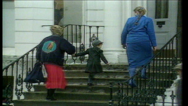W London Wetherby School Princess Diana taking Prince William to school for the first time as he turns to wave to press