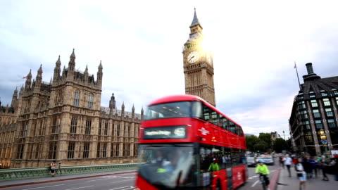 ビッグベンとウェストミン スター ブリッジ ロンドン - 英国 ロンドン点の映像素材/bロール