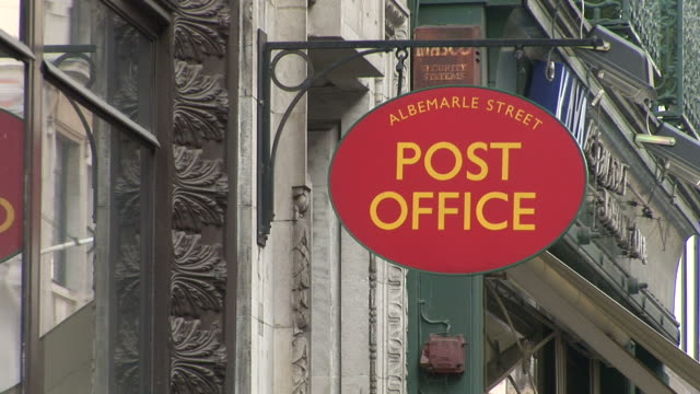 londonalbemarle street post office in london united kingdom - postamt stock-videos und b-roll-filmmaterial