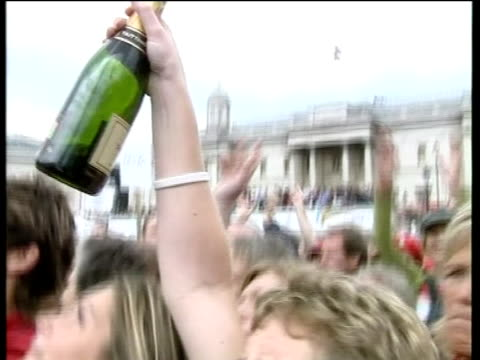 londoners celebrate after the ioc announced that the 2012 olympics will be hosted in the city, on 6 july 2005 in london, united kingdom. n.b.... - the olympic games stock videos & royalty-free footage