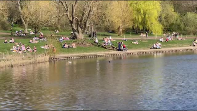 londoners flocked to the parks after seeing sunny and warm weather despite coronavirus pandemic on march 30, 2021. uk currently has the second... - weather stock videos & royalty-free footage