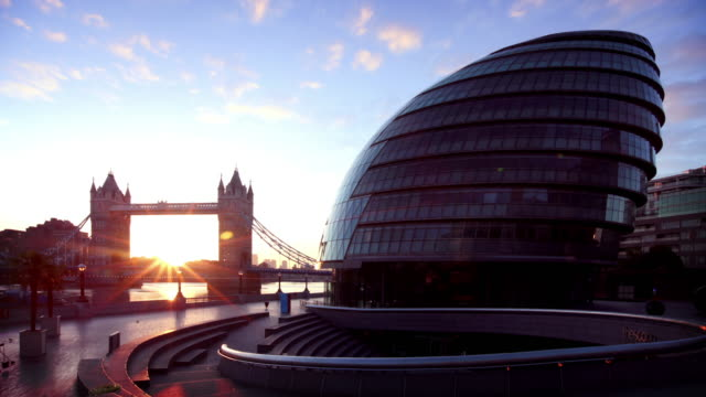 london's city hall and tower bridge - tower bridge stock videos & royalty-free footage