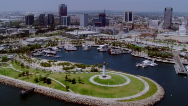 aerial long beach harbor and downtown, california, usa - solfjäderspalm bildbanksvideor och videomaterial från bakom kulisserna
