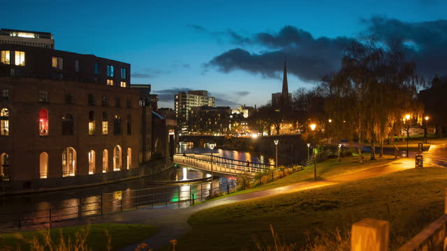 long exposure time lapse of the city of bristol, england lighting up at dusk, from castle park on january 19, 2021 in bristol, uk. - blurred motion stock videos & royalty-free footage
