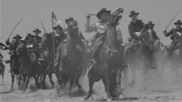 ms pan long line of soldiers  - cavalry stock videos & royalty-free footage