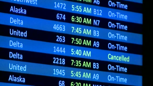 KCPQ Long Lines at Delta Air Lines CheckIn Counter