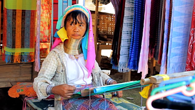 long neck karen women weaving. - indigenous culture stock videos & royalty-free footage