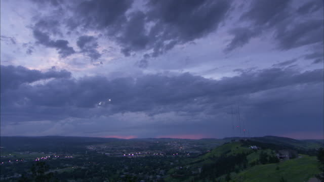 long shot across rapid city, south dakota and it's surrounding hills. - rapid city stock videos & royalty-free footage