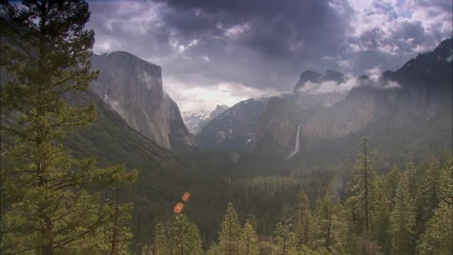 Long shot across the beautiful Yosemite valley in the Yosemite National Park.