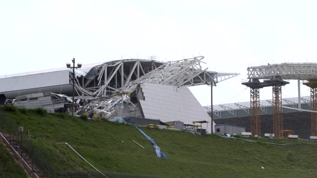 long shot collapsed segment of the sao paulo stadium view from motorway a tragic accident at arena de sao paulo led to the death of two workers when... - ruine stock-videos und b-roll-filmmaterial