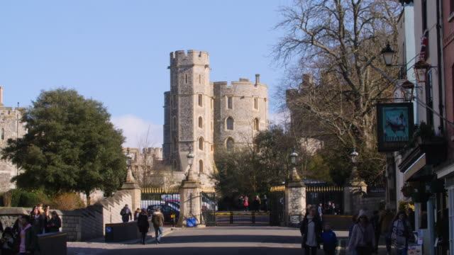 Long shot of entrance gates to Windsor Castle.
