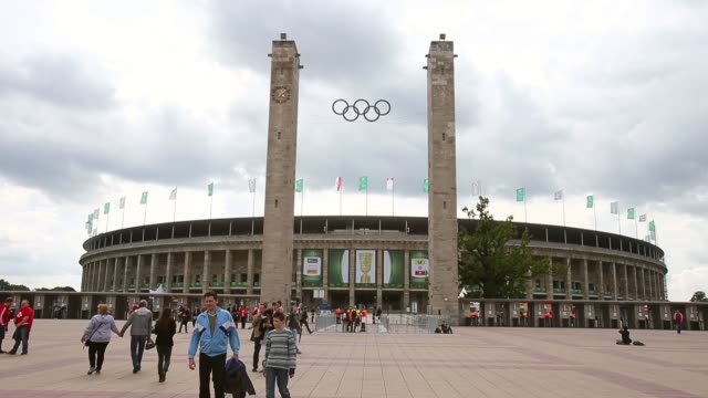 long shot outside view olympic stadium berlin dfb cup final olympic stadium berlin general view on june 01 2013 in berlin federal republic of germany - オリンピックスタジアム点の映像素材/bロール
