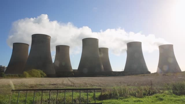 Long Shot steam rises from the RatcliffeonSoar coal fired power station on October 17 2013 in Nottinghamshire England