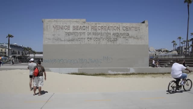 Long sot of Venice Beach Recreation Center sign World renowned Venice Beach is an ocean front community best known for its circuslike beachfront walk...