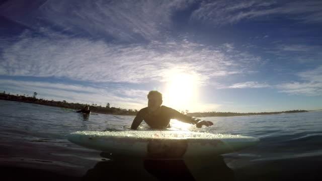 longboarding - paddel stock-videos und b-roll-filmmaterial