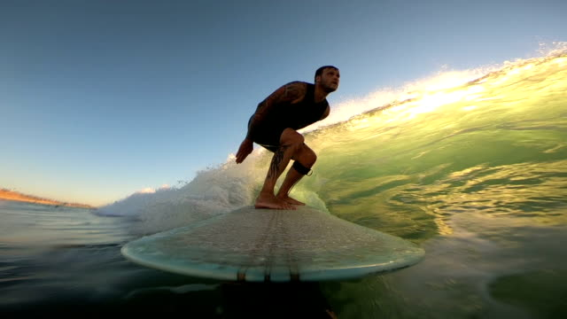 stockvideo's en b-roll-footage met longboarding - surfen