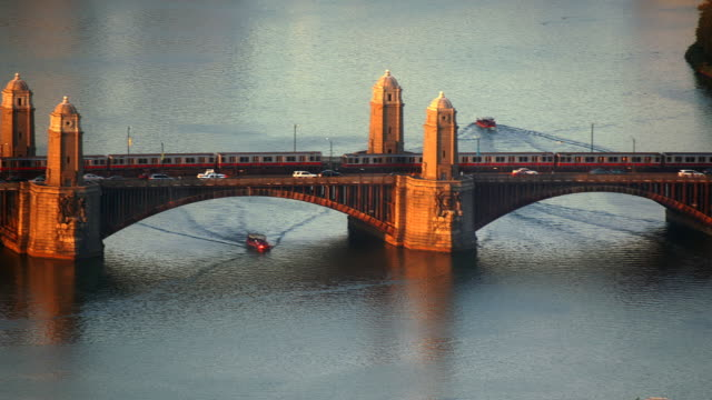 t/l ha ms longfellow bridge, boston, massachusetts, usa - チャールズ川点の映像素材/bロール