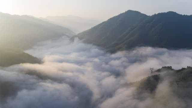 Longji terrasvormige velden in contourploegen, Guilin, China