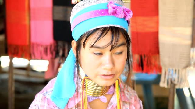 longneck karen 山岳民族ます。フル高画質 - 民族衣装点の映像素材/bロール