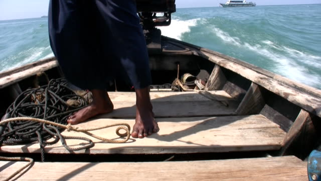 longtail boat driver - longtail boat stock videos & royalty-free footage