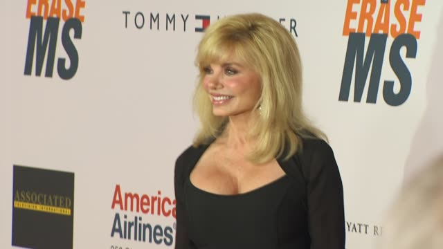 loni anderson at the 17th annual race to erase ms cochaired by nancy davis tommy hilfiger at los angeles ca - loni anderson stock videos & royalty-free footage