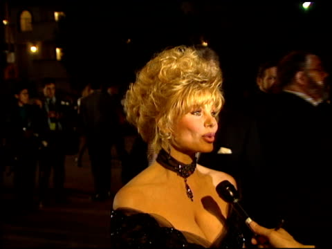 loni anderson at the comedy awards 94 at the shrine auditorium in los angeles california on march 6 1994 - ジャーマンコメディアワード点の映像素材/bロール