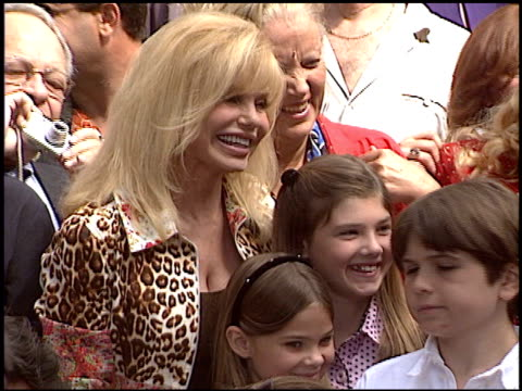 loni anderson at the dediction of laverne and shirley's walk of fame star at the hollywood walk of fame in hollywood california on august 12 2004 - loni anderson stock videos & royalty-free footage