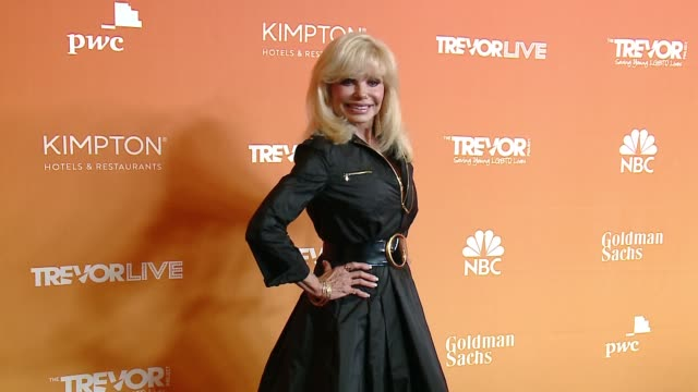 loni anderson at the trevor project's 2017 trevorlive la gala in los angeles ca - loni anderson stock videos & royalty-free footage