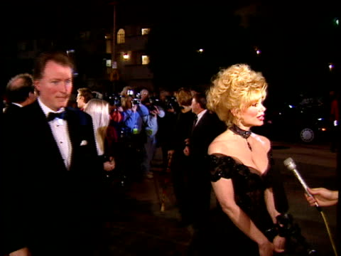 Loni Anderson talking to reporters on red carpet