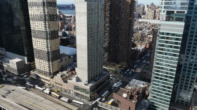 looking down at traffic at at 9th ave in midtown manhattan, new york - port authority stock videos & royalty-free footage