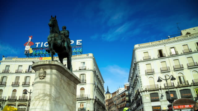 looking up in puerta del sol - panning timelapse - male likeness stock videos & royalty-free footage