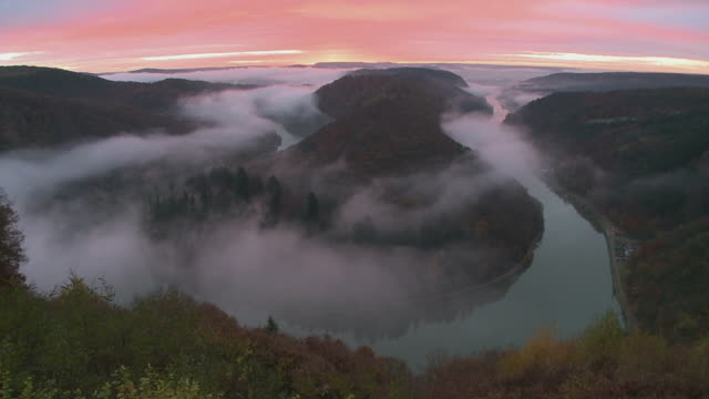 WS HA Loop of river Saar covered with morning mist / Mettlach, Saarland, Germany
