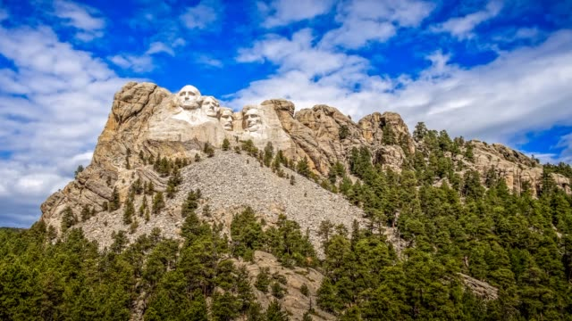loopable cinemagraph of mount rushmore national memorial in the black hills of south dakota - mt rushmore national monument stock videos & royalty-free footage