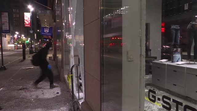 looters had entered shops following george floyd protests in early june in new york city, and cities police department had made hundreds of arrests... - nbc点の映像素材/bロール