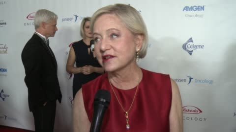 stockvideo's en b-roll-footage met loraine boyle on over the past 11 years this event has seen enormous success and helped raise over $6 million for the peter boyle research fund, can... - wilshire ebell theatre
