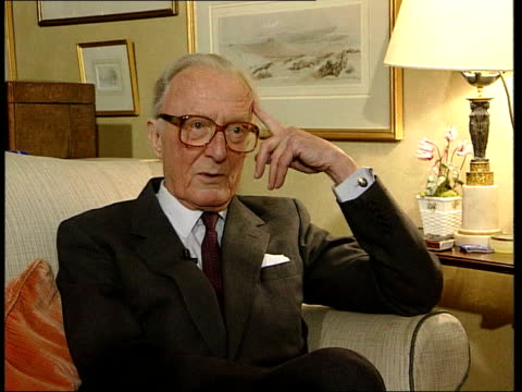 lord bragg interview sot - going into lords hasn't changed my views - lords should be radically changed - lords are useful and do work hard cms lord... - vangen bildbanksvideor och videomaterial från bakom kulisserna