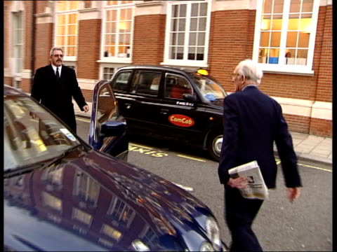 stockvideo's en b-roll-footage met evidence lord carrington along past to car as leaving inquiry - peter carington