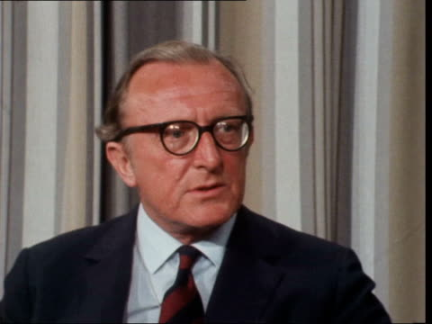 stockvideo's en b-roll-footage met ***also england london london airport int cs lord carrington [peter carington] sof no lord balneil and i went out there than we would col ekt 16mm... - peter carington