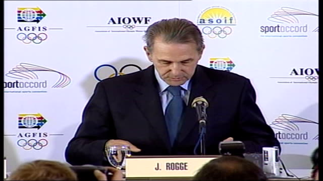 vídeos de stock, filmes e b-roll de lord coe takes over as leader of london 2012 olympic bid; lib switzerland: lausanne: int jacques rogge announcing the five cities competing for the... - sebastian coe