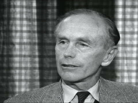 lord home returns from america after talks with us and russia; england: london: int lord home interview sot - on talks with u.s & russia about new... - alec douglas home video stock e b–roll