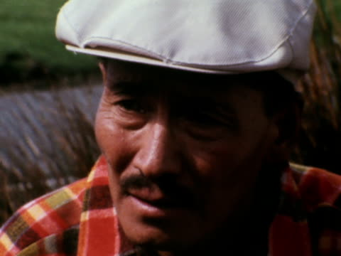 stockvideo's en b-roll-footage met lord hunt tenzing norgay and other members of the 1953 mount everest team sit together during a 20th anniversary reunion in snowdonia - tenzing norgay