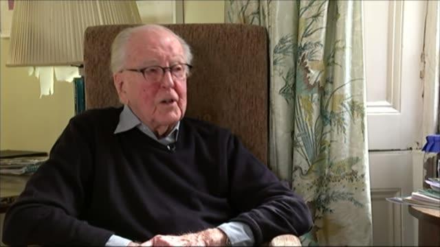 lord hutchinson interview as his 100th birthday approaches; int hutchinson interview sot - on defending d. h. lawrence in court - d.h. lawrence bildbanksvideor och videomaterial från bakom kulisserna