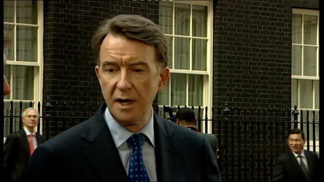lord mandelson and martin broughton statements following g20 business leaders meeting; england: london: downing street: ext lord mandelson statement... - seguire attività che richiede movimento video stock e b–roll