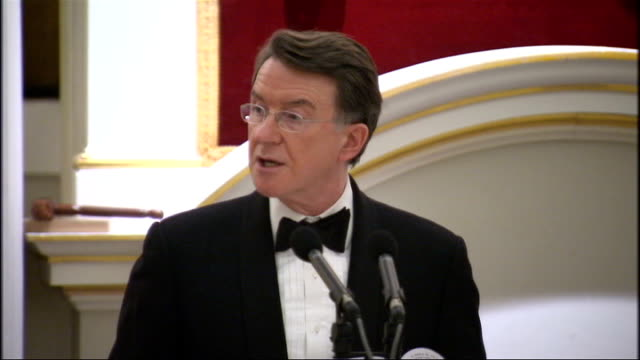 stockvideo's en b-roll-footage met lord mandelson mansion house speech lord mandelson speech sot christopher hogg's review of corporate governance and david walker's review of banking... - kraft