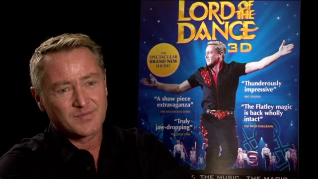 michael flatley interview; england: london: int michael flatley interview sot - on getting good feedback for the new movie and that it's a great... - ストリクトリーカムダンシング点の映像素材/bロール